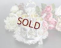 純銀製(925)1846年 ヴィクトリアンロココ お花とスクロール貝の装飾 エッグクリュエット セット