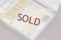 純銀製(950) アンティークシルバー フランス製 ファーストミネルヴァ 総金鍍金 ティースプーン12本、シュガートング、ティーストレイナー、ティーキャディースプーンセット