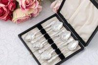 アンティークシルバー、アンティーク銀器  純銀製(925)1917年 スクロール装飾のフリル付きアイスクリームスプーン6本 セット