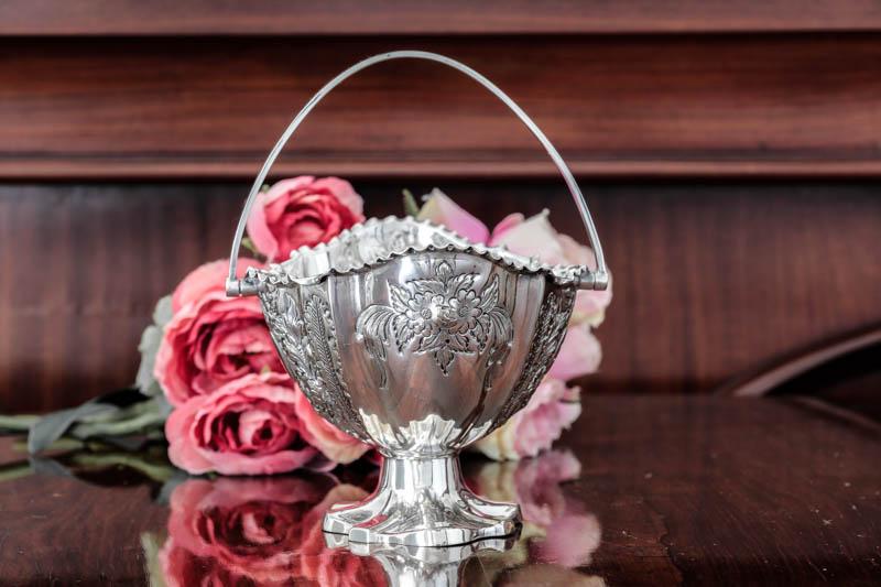 画像3: シルバープレート製 ヴィクトリア時代後期 手彫りのお花 シュガーバスケット