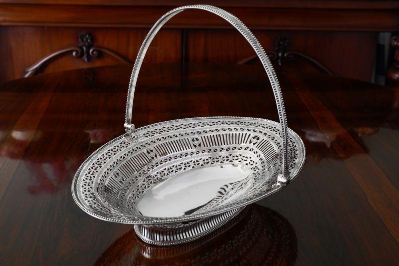 画像1: 純銀製(925)1782年 希少 特級 ヘスターベイトマン 透かし細工 ラージ ケーキバスケット