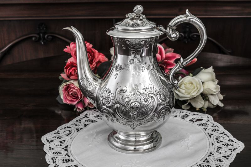 画像1: シルバープレート ヴィクトリアンロココ お花のガーランド お花のチェイシング コーヒーポット