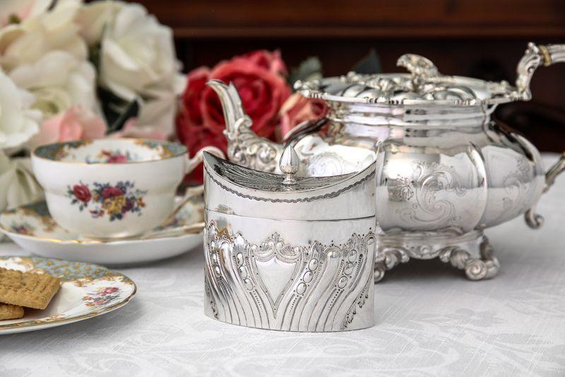 画像1: 純銀製(925)1896年 ハンドチェイス フルーテッド ティーキャディー