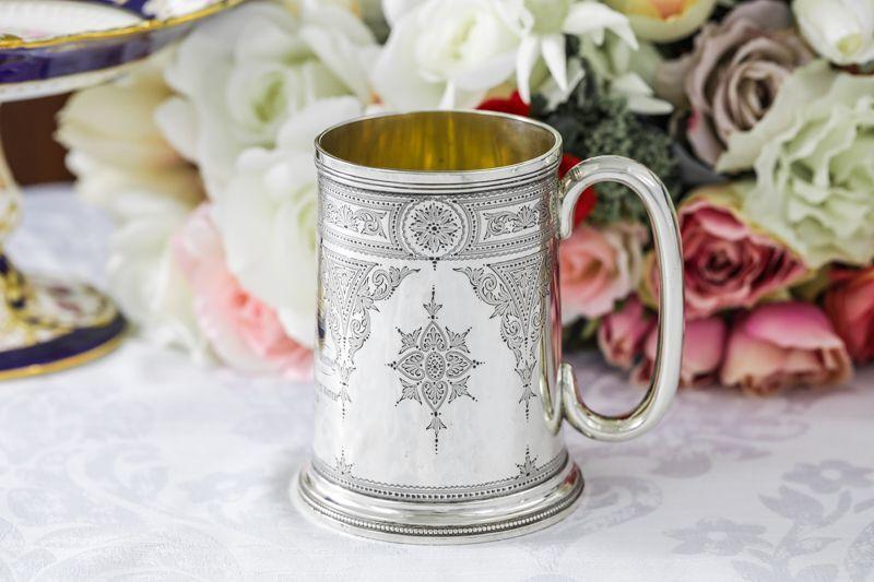 画像1: 純銀製(925)1889年 ハンドエングレービング ビール用 マグカップ