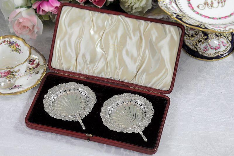 画像1: 純銀製 (925) 1896年 扇の形 ピン/ボンボンディッシュ 2組セット