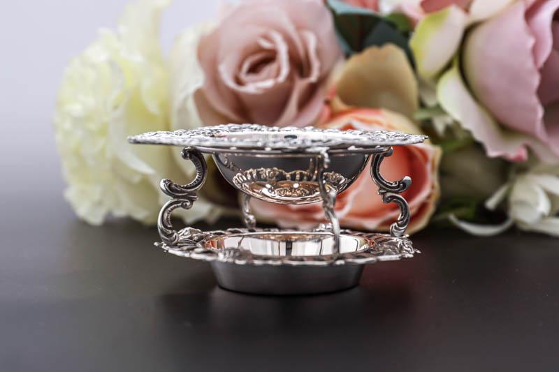 画像5: アンティークシルバー、純銀(835)  オランダ 薔薇の 透かし細工のスタンド付きティーストレイナー