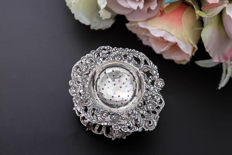 画像1: アンティークシルバー、純銀(835)  オランダ 薔薇の 透かし細工のスタンド付きティーストレイナー