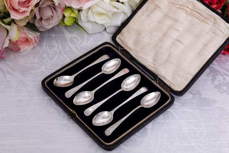 画像1: アンティークシルバー 純銀製(925) 1918年 エレガントなブライトカットハンドル ティースプーン6本セット